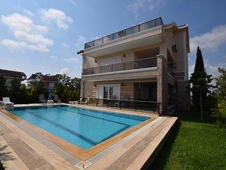 Extra Large Seven Bedroom Villa Shato
