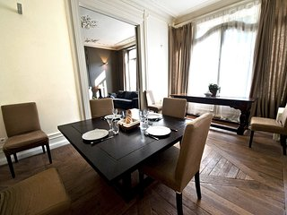 Vieux Lille, elegant and furnished flat by LOVELYDAYS