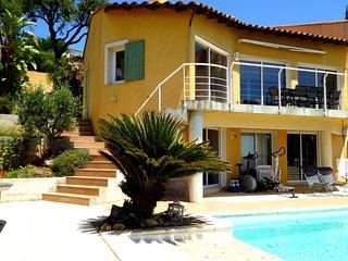 Maison 110 M² , climatisée, vue mer, piscine , Hyères, Var, France, 3 ch, 3 sdb