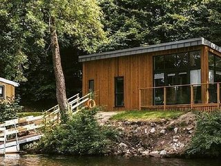 Lakeside Lodges Self Catering Unit 11