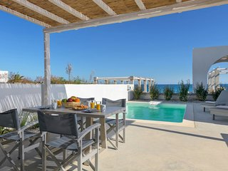 1 bedroom Villa with Air Con, WiFi and Walk to Beach & Shops - 5806518