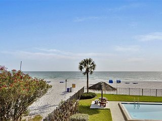 Emerald Isle 101 Beautiful UPDATES!/Direct Beachfront/SUNSETS each night!!