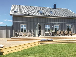 Stunning home in Tranås w/ WiFi and 4 Bedrooms