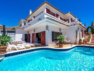 Outstanding beachfront villa in Fuengirola Ref 3