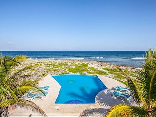 Beautiful Akumal beach Villa with ocean views!