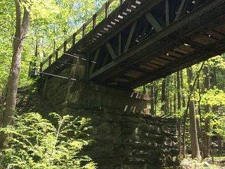Tentrr - Hucklebuck Railway Camp East