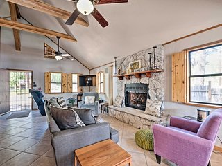 Modern Ruidoso Cabin w/Deck - Walk to Midtown