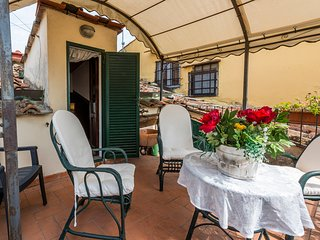 Carolina - Detached apartment for 10 people, Florence