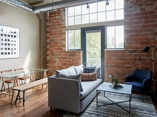 Sonder | Washington Ave | Industrial 2BR + Terrace