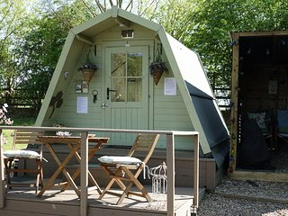 The Hideaway Pod is set on a5 acre lake with own fishing peg and amazing views.