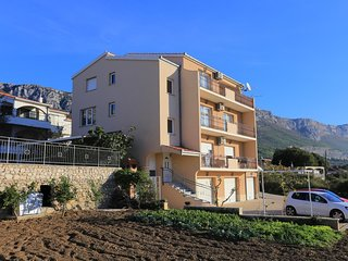 Three bedroom apartment Kastel Sucurac (Kastela) (A-16209-a)