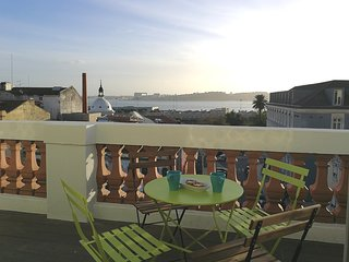 Your balcony by the river in Cais do Sodré & timeout market