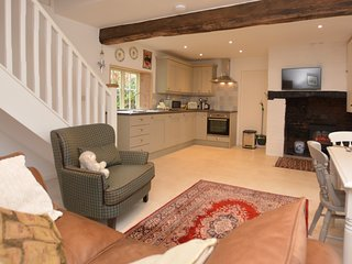75407 Cottage situated in Shrewsbury (7mls SW)