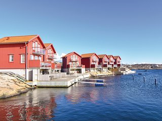 Stunning home in Hällevikstrand w/ WiFi and 3 Bedrooms