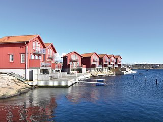 Amazing home in Hällevikstrand w/ WiFi and 3 Bedrooms