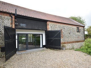 Flint Barn, Knapton - Luxurious 4 Bedroom Barn Conversation | Sleeps 8