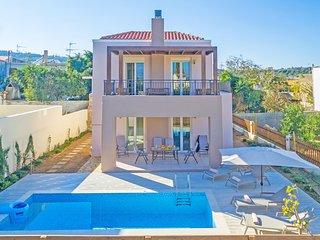 New villa, Private Pool, Near Amenities