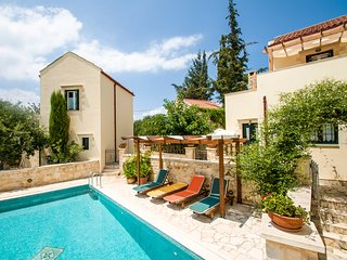 Beautiful villa,Douliana, Near Vamos & Almirida 1
