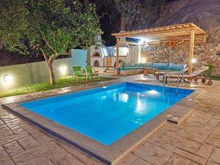 South Coast,Private pool,Beach & Tavern