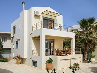 Beach villa in Almirida,Beach & Amenities