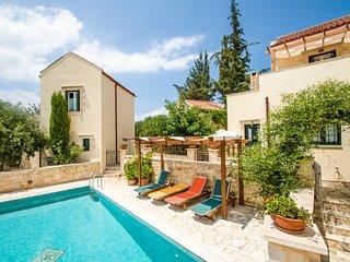 Beautiful villa,Douliana, Near Vamos & Almirida 2