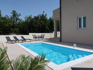 4 bedroom Villa with Pool, Air Con and WiFi - 5741964