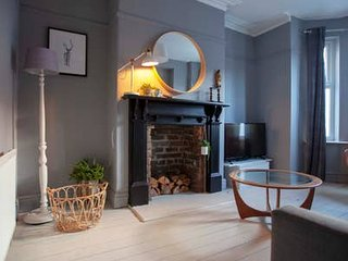 Gorgeous Stylish 4 bedroom House in Manchester