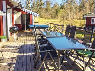 Nice home in Figeholm w/ 4 Bedrooms