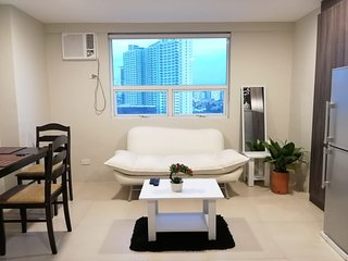 Fresh New Spacious 1 BR LOFT in Quezon City