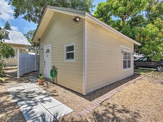 Downtown Stuart Studio w/ Grill - Walk to Bay!