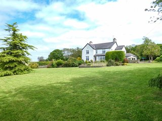 CLAI impressive detached cottage, AGA, woodburning stove, games room, garden in
