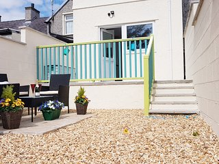 Cledan Cottage Cemaes Bay Spacious three bedrooms & garden walking dist to beach