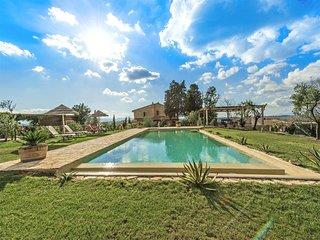 Villa Iano - Luxury villa with swimming pool and fitness room near Montaione