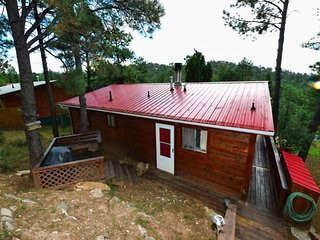 Comfy Cabin - Cozy Cabins Real Estate, LLC.