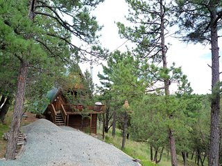 Pinon Hideaway - Cozy Cabins Real Estate, LLC.