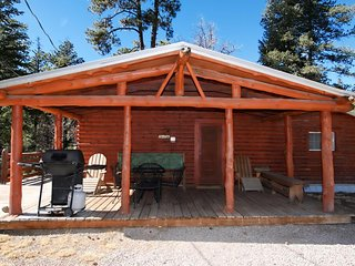 Cedar Creek Retreat - Cozy Cabins Real Estate, LLC.