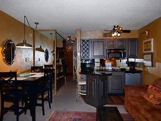 Canyon Creek Condo #118 - Cozy Cabins Real Estate, LLC.