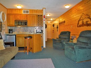 Canyon Creek Condo #228 - Cozy Cabins Real Estate, LLC.
