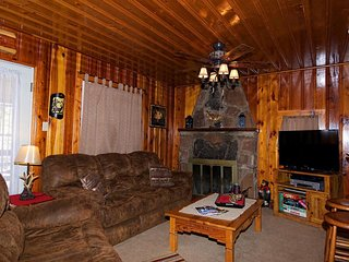 The Deer Drop Inn - Cozy Cabins Real Estate, LLC.