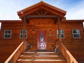 Sierra Vista Cabin - Cozy Cabins Real Estate, LLC.