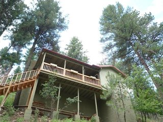 Treetops Cabin - Cozy Cabins Real Estate, LLC.