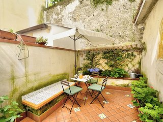 Localita Renella Apartment Sleeps 4 with Air Con - 5806732