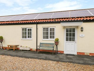 RICHMOND COTTAGE, pet friendly, country holiday cottage, with a garden in
