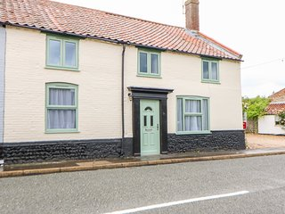 GREYHOUND COTTAGE, Fakenham