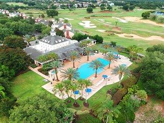 Elegant condo in luxurious resort w/ shared pool, hot tub and resort amenities!