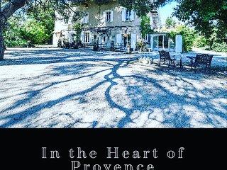 Mas Saint Gens, Gîte de charme Provence, de 1 à 50 personnes, piscines, parc