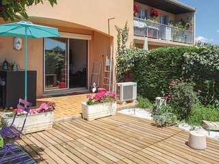 Nice apartment in Béziers w/ WiFi and 1 Bedrooms