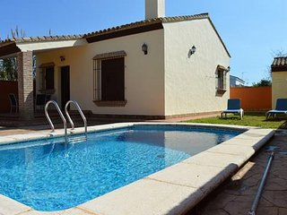 INDEPENDENT SINGLE FAMILY VILLA WITH SWIMMING POOL