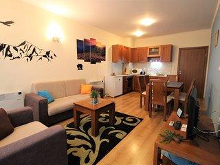 Pine Tree Apartment 3- B3