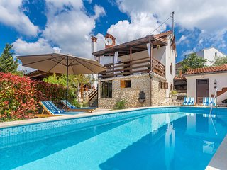 Rustic elegant holiday house - terrace with outdoor pool and jacuzzi, playground